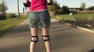 Outdoors tit flashing action from a rollerblading teen slut